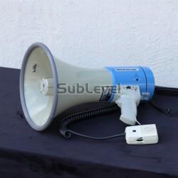 Megafons profesionālais (ar baterijām)